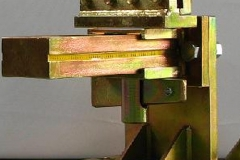 Klamra blacharska progowa na klin
